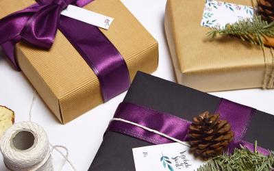 Jak pięknie zapakować prezent? 8 projektów, które w tym pomogą